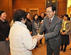 斉藤鉄夫、支部会に出席(埼玉県越谷市)