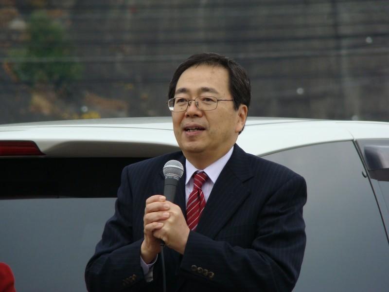 演説する 斉藤鉄夫