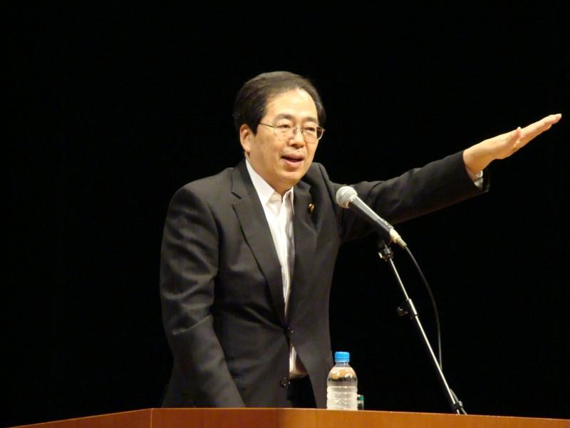 講演する 斉藤鉄夫