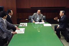 太田国交相に要望する 斉藤鉄夫(左から2人目)